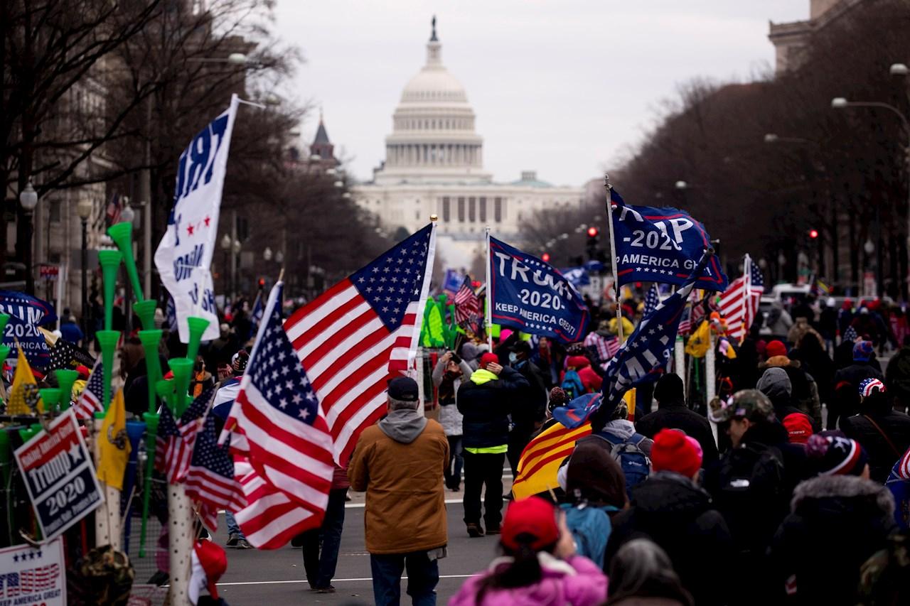 FBI alerta sobre 'protestas armadas' en todo EU contra resultado electoral