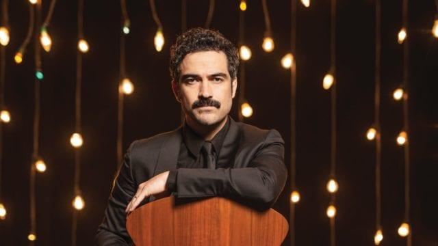 Alfonso Herrera, 'el cazador de historias'