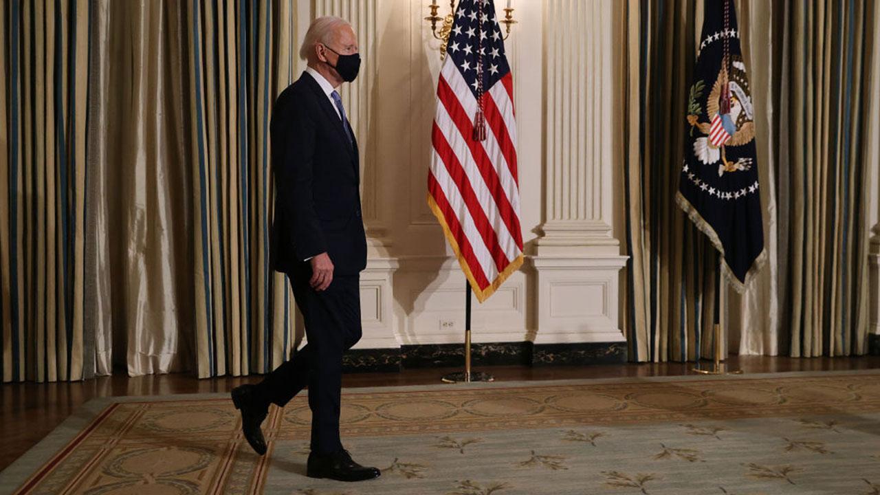 Los primeros 100 días de Biden: COVID-19, economía, política y más