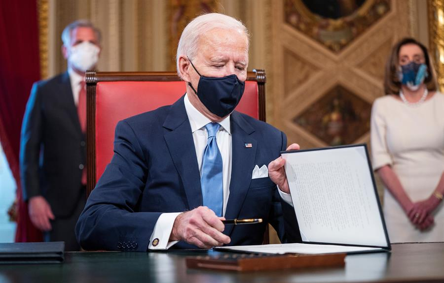 Biden no compartirá con México el suministro de vacunas anticovid de EU