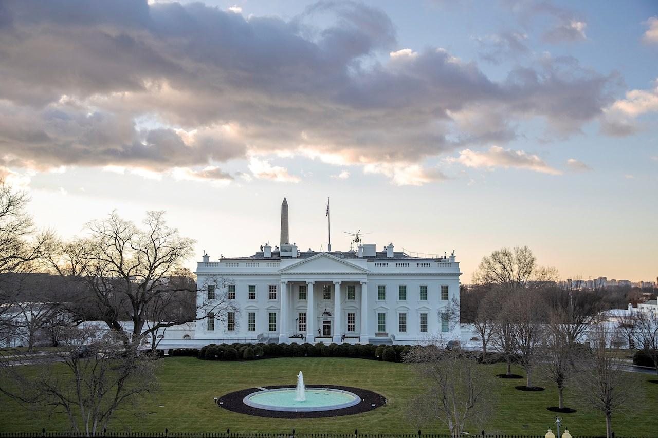 Biden firmará 15 acciones ejecutivas en su día 1, con foco en migración