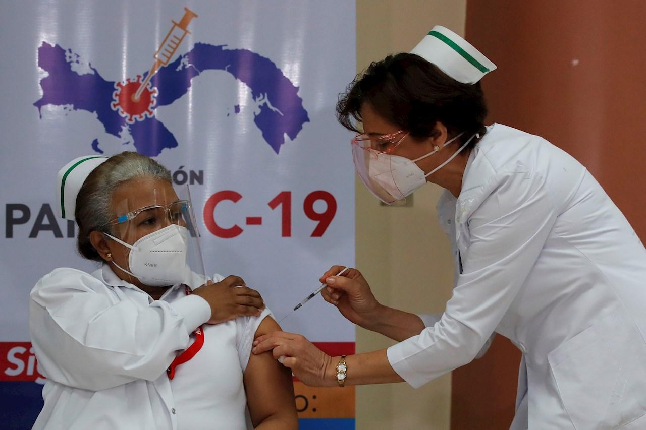 Panamá recibe tercer lote de vacunas de Pfizer y continúa con la vacunación