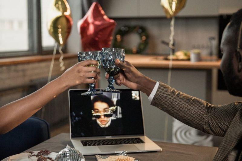 Fiestas de trabajo virtuales: lo bueno, lo malo y lo peculiar