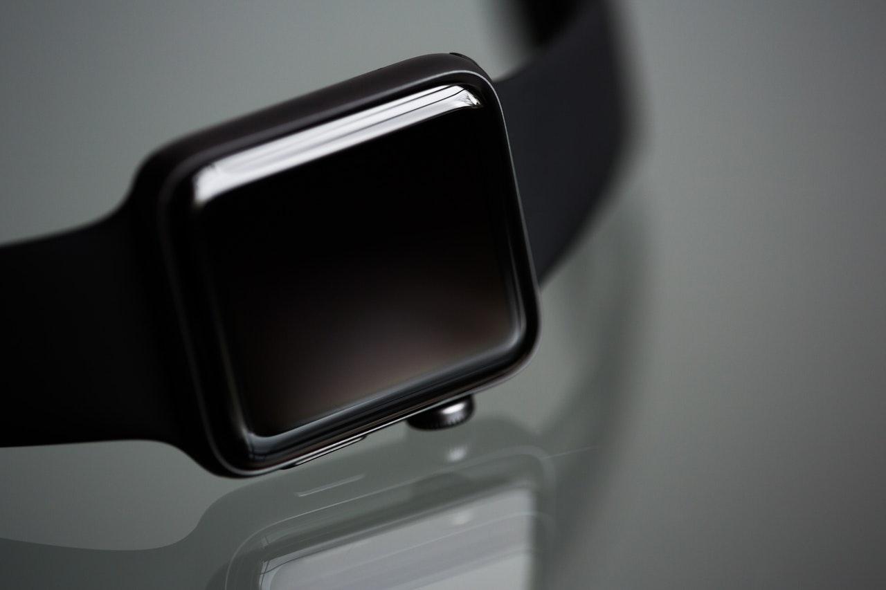 Facebook planea lanzar un reloj inteligente basado en android: Reportes