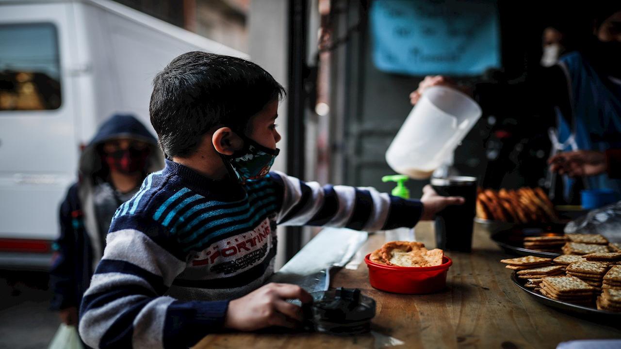 Unos 155 millones de personas necesitaron ayuda alimentaria en 2020