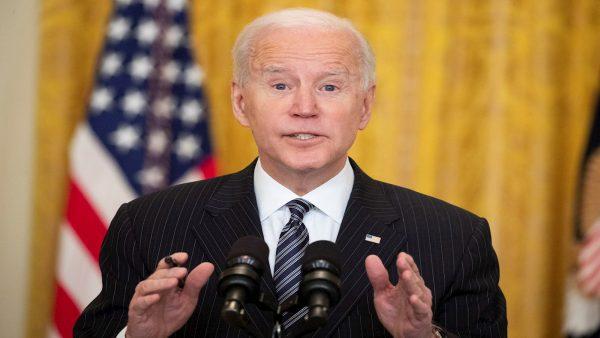 Biden promete llegar a las 200 millones de dosis en sus primeros 100 días