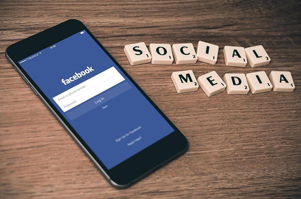 Facebook cambia su diseño para dar más control al usuario
