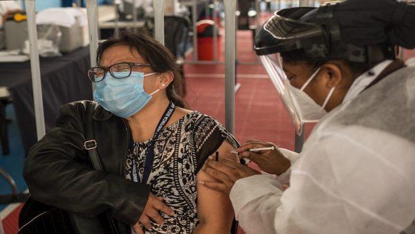 Guatemala suma 7,020 muertes por covid-19 y el Gobierno pide reflexión