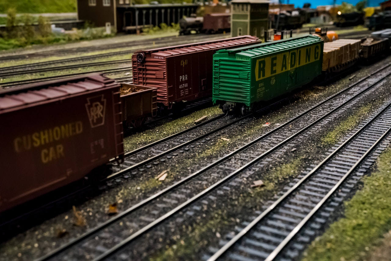 KR firma contrato para restaurar vía férrea en Costa Rica