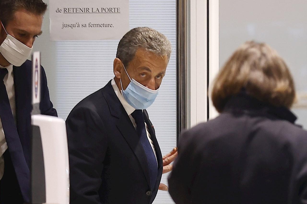 Expresidente Sarkozy recibe pena de 3 años de cárcel por corrupción