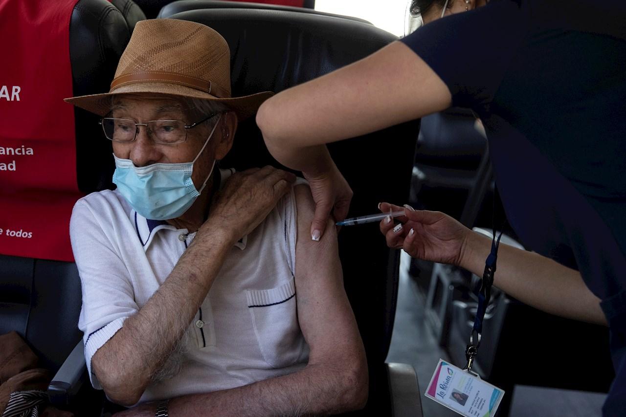 Panamá arranca vacunación contra COVID-19 a mayores 60 años