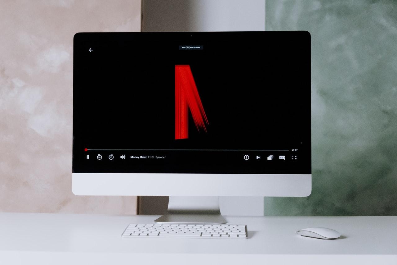 Netflix sube ante la posible restricción del uso compartido de contraseñas