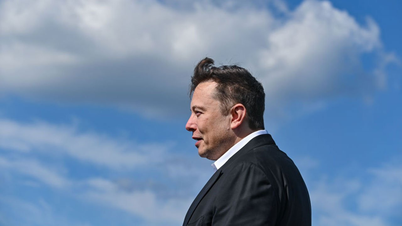 Elon Musk vuelve a disparar Shiba Inu con un tuit: Dogecoin también sube