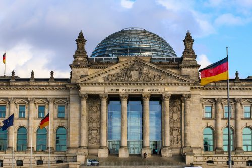 Bundestag respalda nueva ley para luchar contra tercera ola de COVID-19