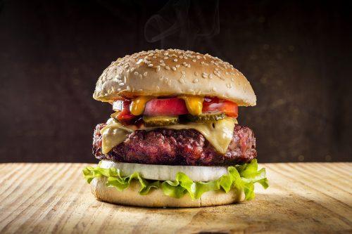 Esta cadena de hamburguesas dirá adiós a los ingredientes artificiales