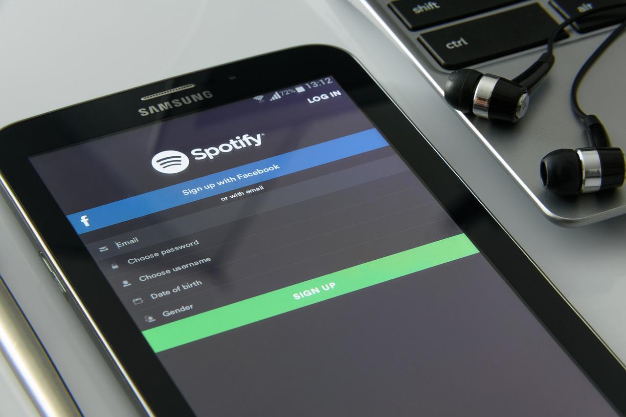 Spotify y Facebook conceden a oyentes escuchar música en app de la red