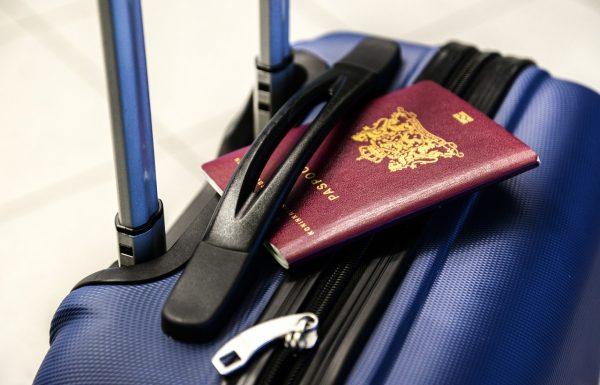 Certificado de vacunación no será pasaporte que asegure movilidad en UE