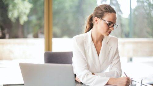 ¿Qué pasa cuando las mujeres dirigen la economía?