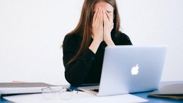 Participación de mujeres en el mercado laboral disminuye por COVID-19