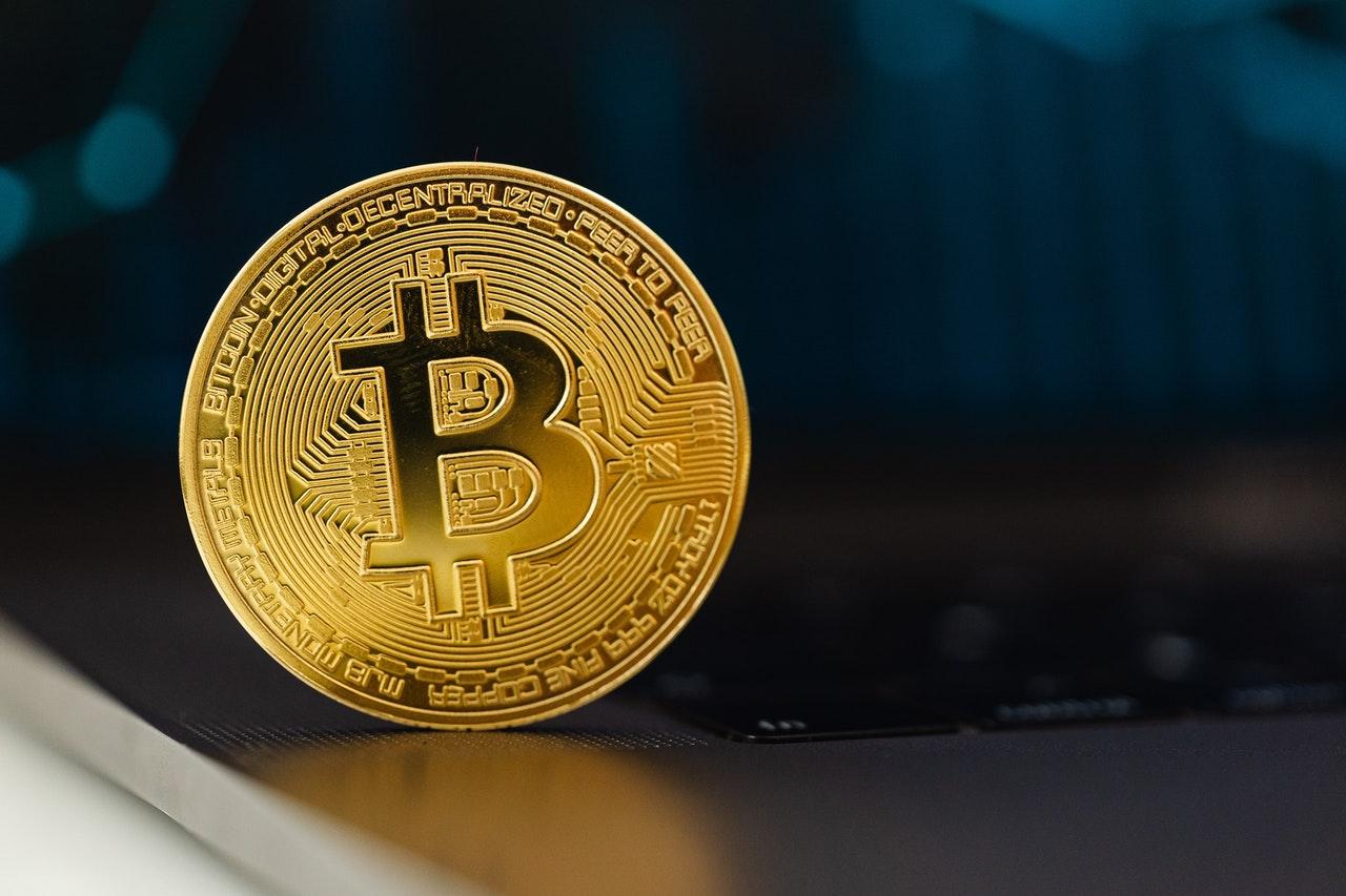 El bitcóin se hunde tras prohibición de Turquía al pago en criptomonedas
