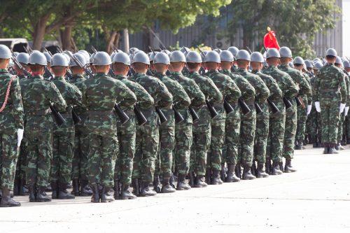 México tiene 12,000 soldados y funcionarios para frenar migración