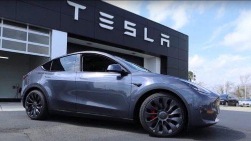Tesla planea modernizar su sistema de advertencia para peatones en modelos previos a 2021