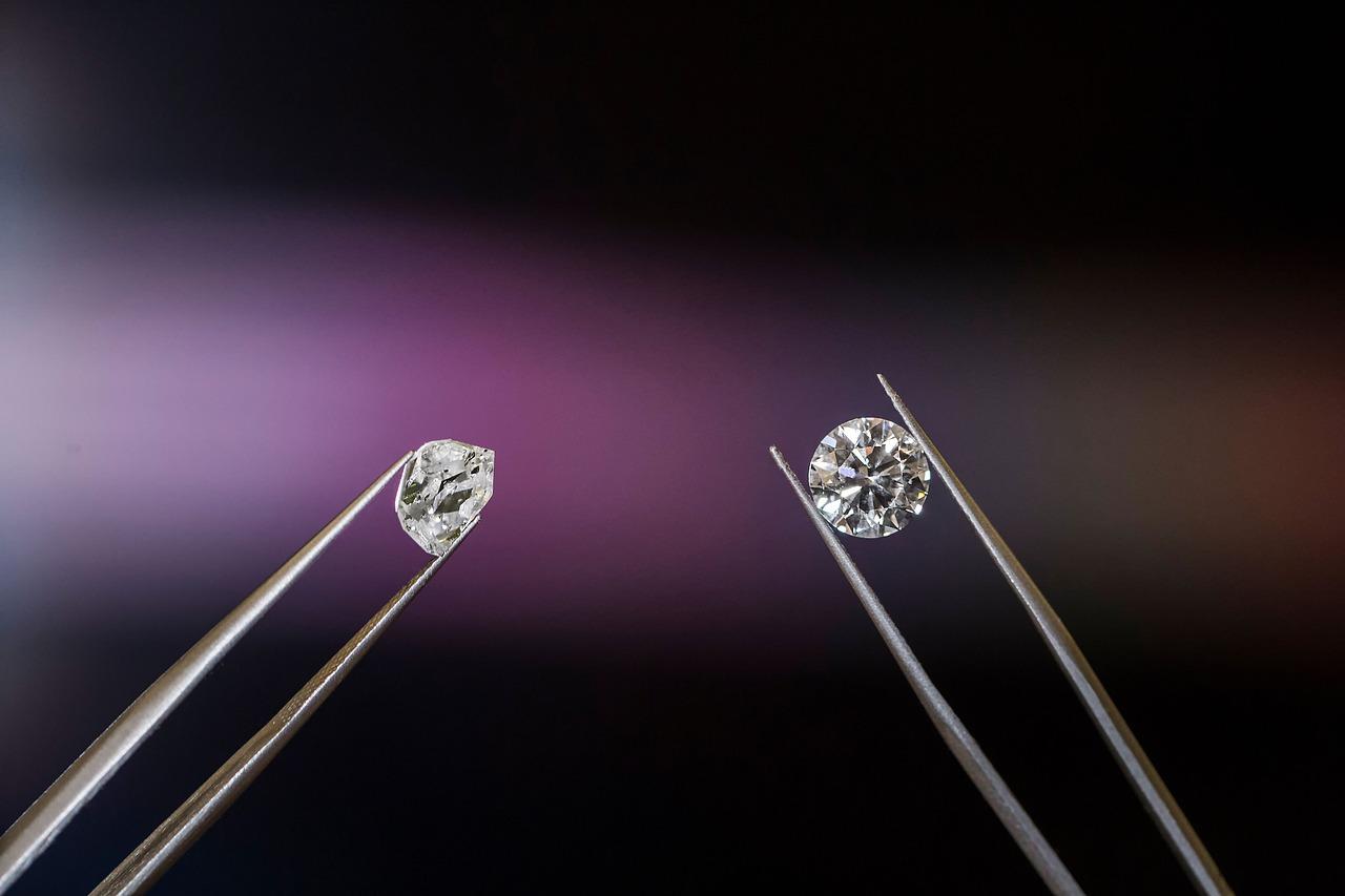 Empresa de joyas venderá diamantes creados en su propio laboratorio