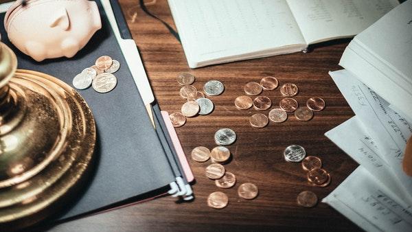 ¿Cómo ahorrar y no endeudarse? Consejos de una influencer brasileña