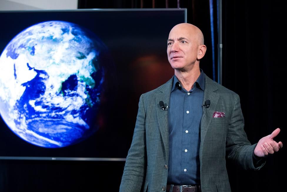 Más de 76,000 personas firman para que Bezos no regrese a la Tierra
