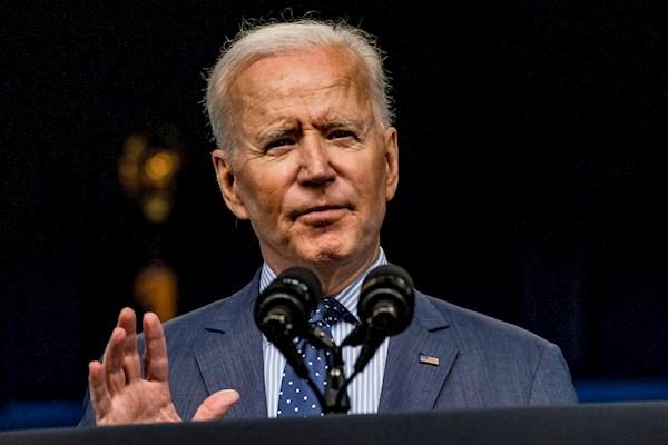 """Biden evalúa si EU puede """"restaurar"""" el acceso a internet en Cuba"""