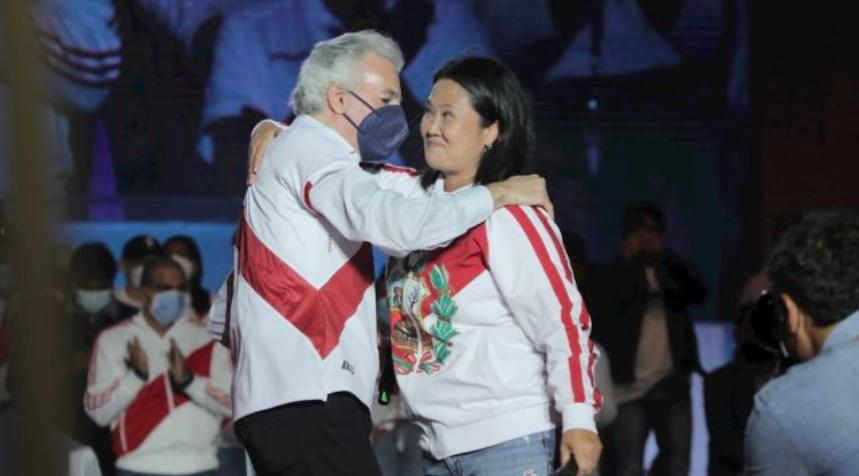 Perú: Keiko Fujimori y Álvaro Vargas Llosa se reconcilian tras 30 años de enfrentamientos