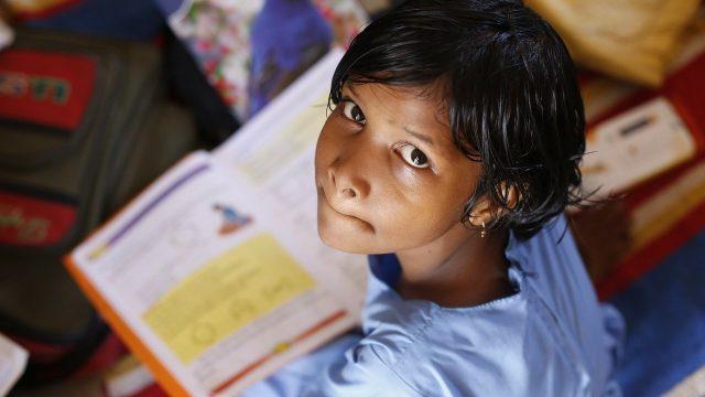 accesso de las niñas a la educación