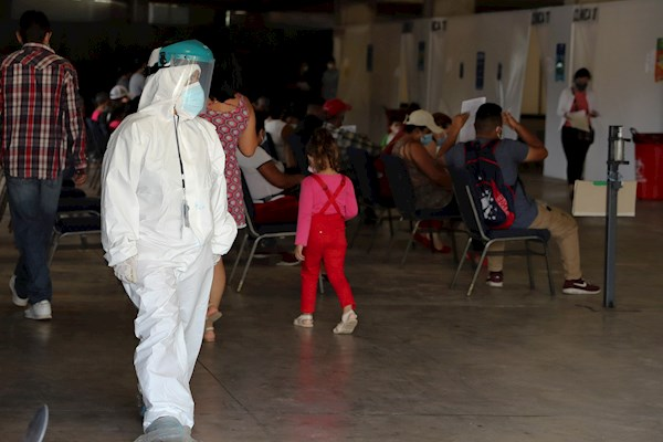 Honduras: Médicos preocupados por alza de contagios y lenta vacunación