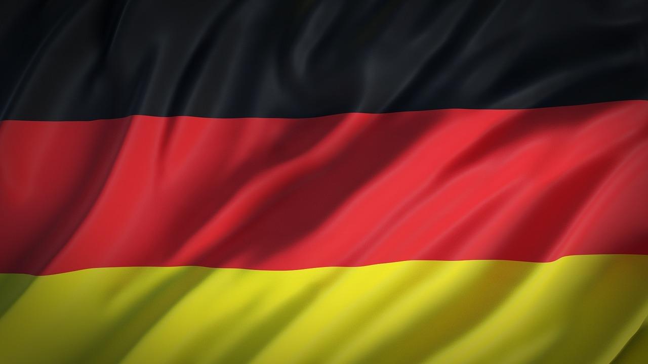 """Alemania rebaja a """"alto"""" el nivel nacional de alerta por el coronavirus"""