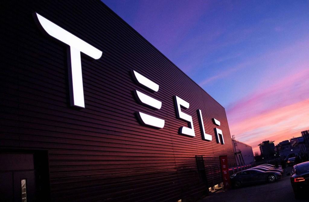 Tesla sube ante probable autorización alemana; ventas de ARK no afectaron