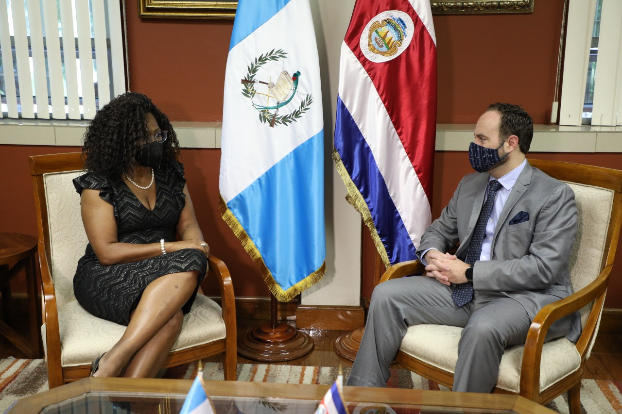 Vicepresidenta de Costa Rica visita Guatemala para promover derechos humanos