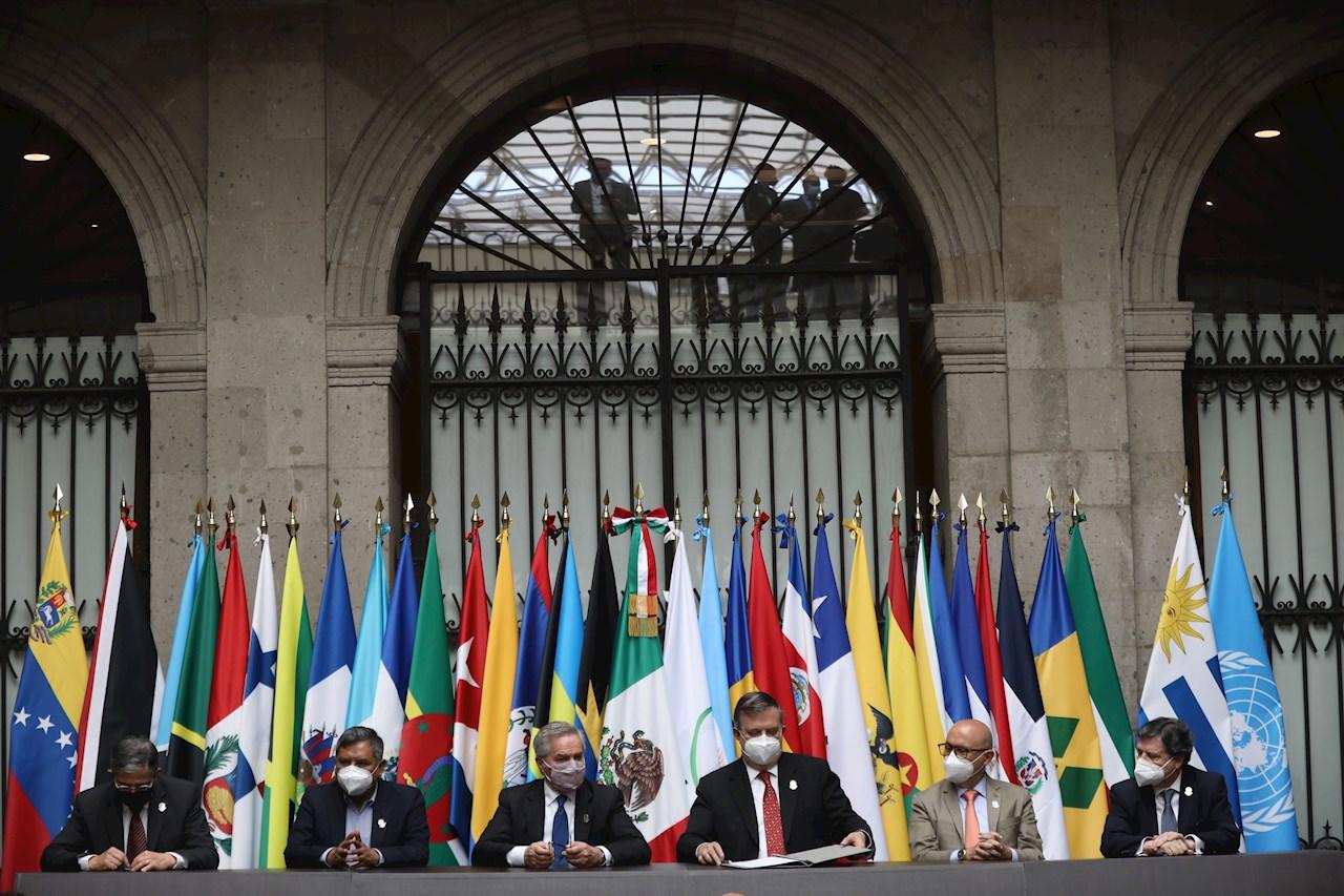 """Los Gobiernos latinoamericanos y del Caribe acuerdan """"fortalecer"""" la Celac"""