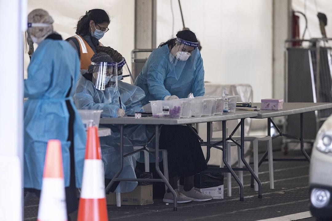 La OMS, preocupada por subida de contagios; pide impulsar la vacunación