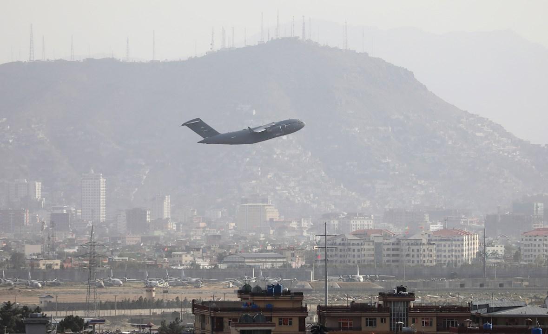 OMS busca alternativas a aeropuerto de Kabul para hacer llegar ayuda médica