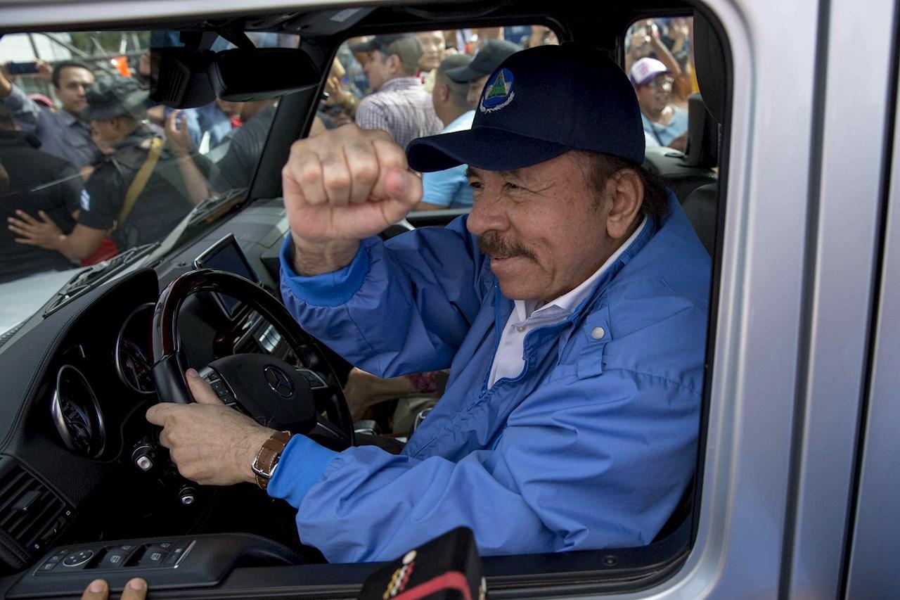 Ortega busca su quinto mandato, cuarto consecutivo y segundo con su esposa