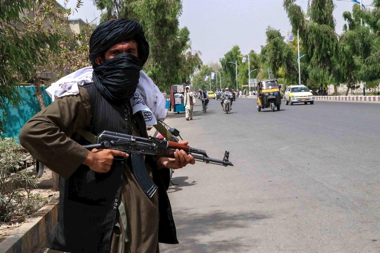Los talibanes se enfrentan a nuevos desafíos tras la salida de Estados Unidos