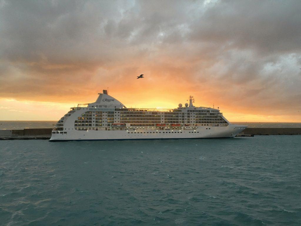 turismo de cruceros barcos