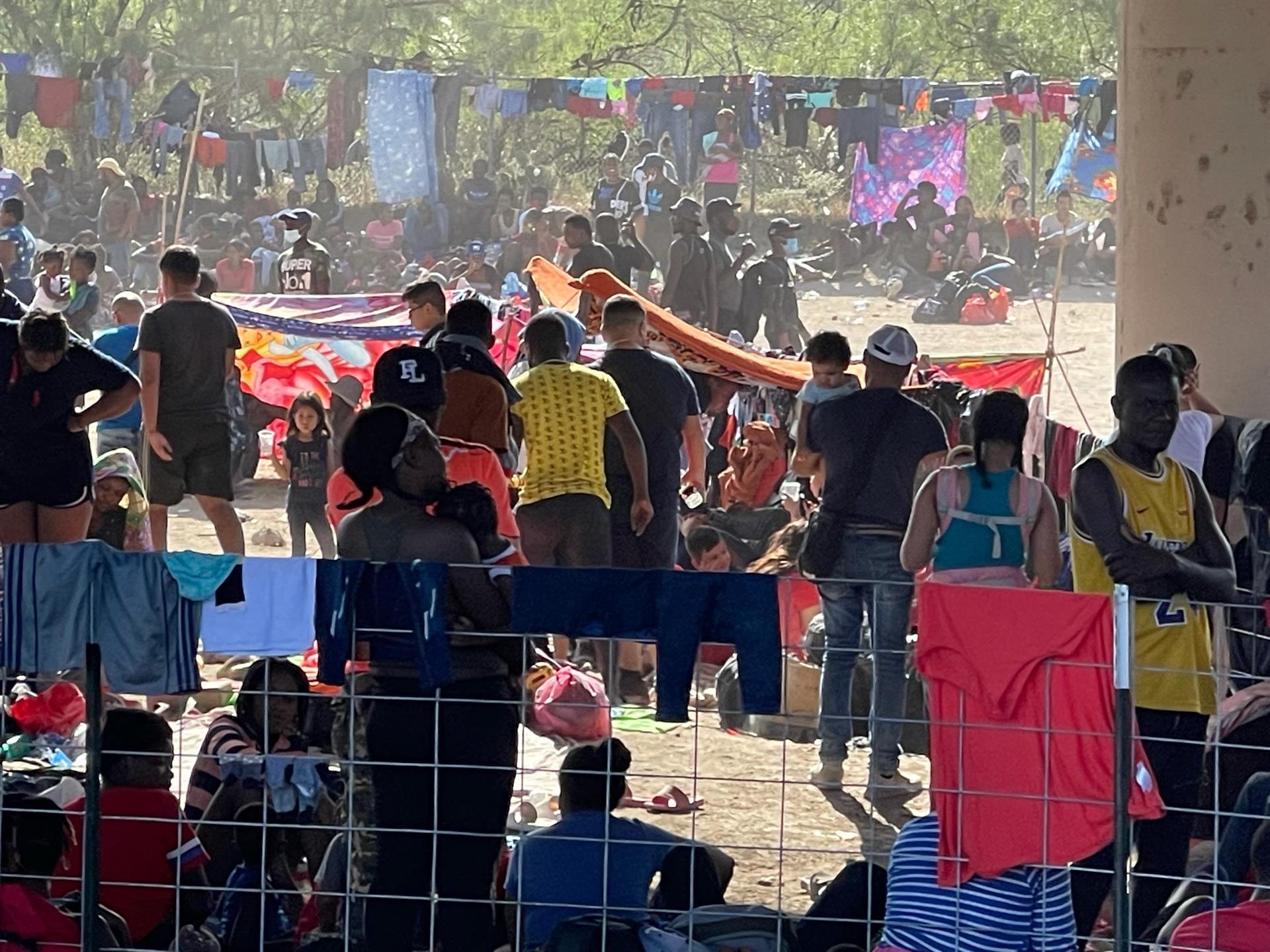 EU expulsó de manera exprés a 4 mil haitianos