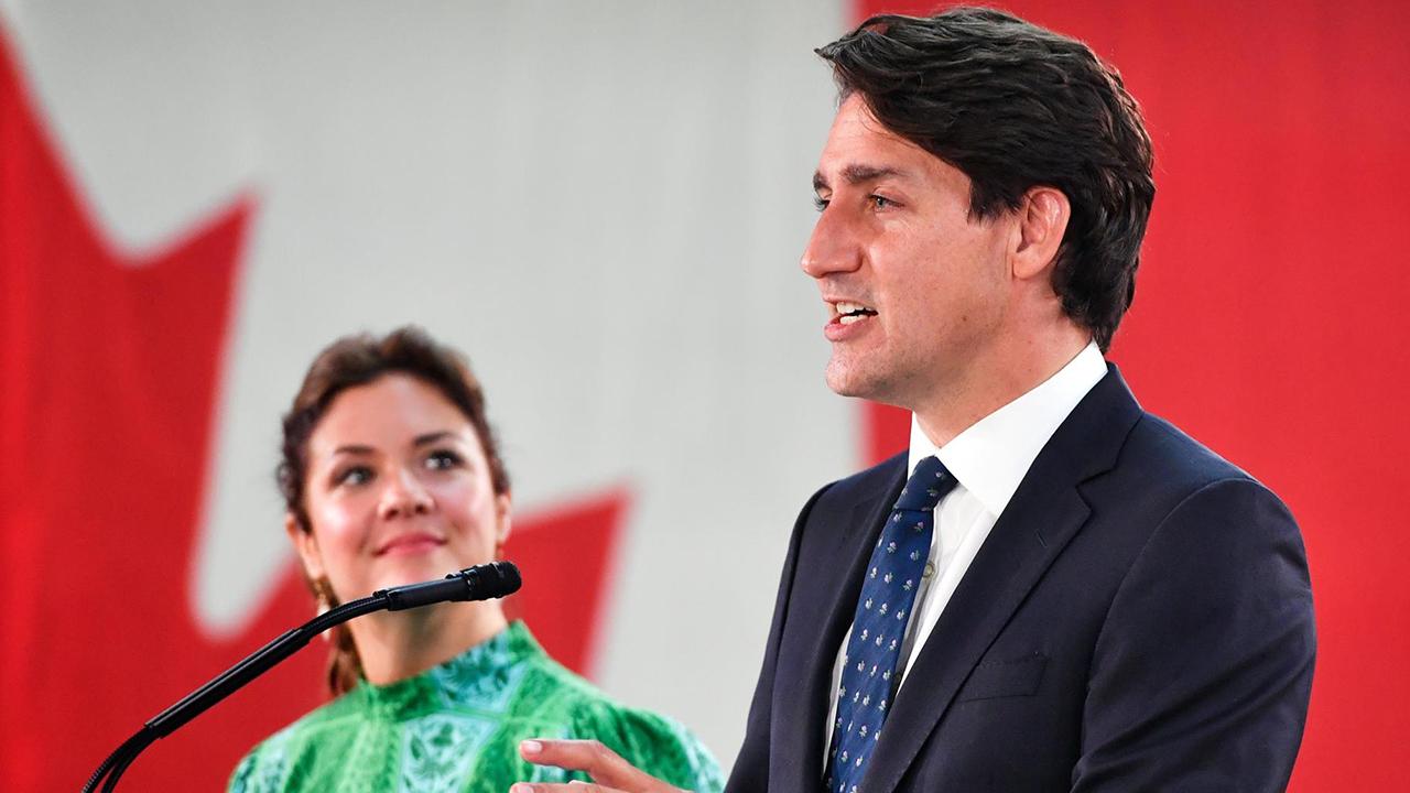 Trudeau cumple con su tradición tras ganar y visita el metro de Montreal