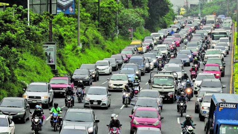 Solo se presentó una oferta para placas vehiculares en Guatemala