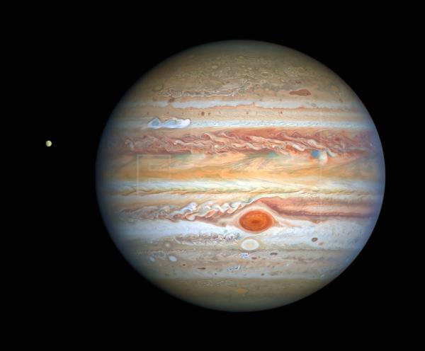 La tormenta roja de Júpiter se está acelerando, expertos no saben por qué
