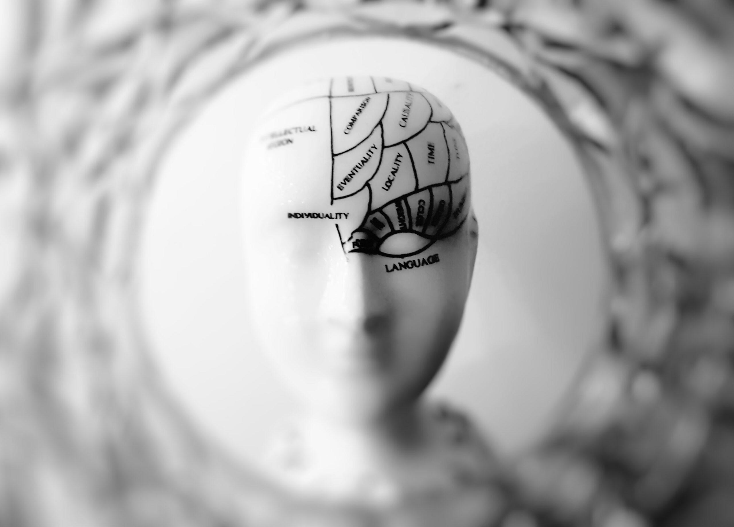 Primer implante cerebral del mundo trata con éxito depresión severa